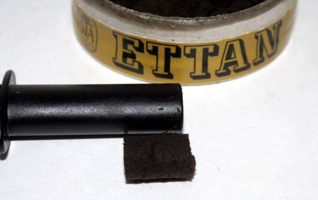 3mL portion of Ettan Loose made with the SnusX Portion Maker